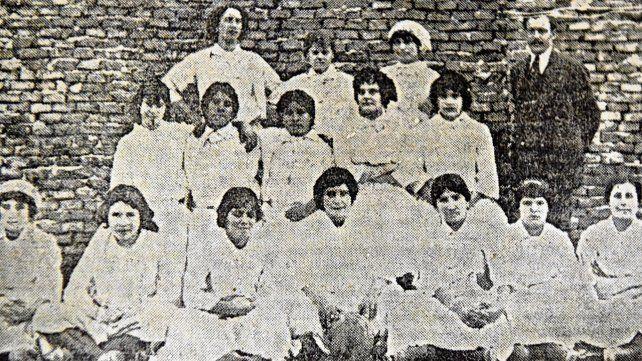 Fútbol de mujeres en 1913