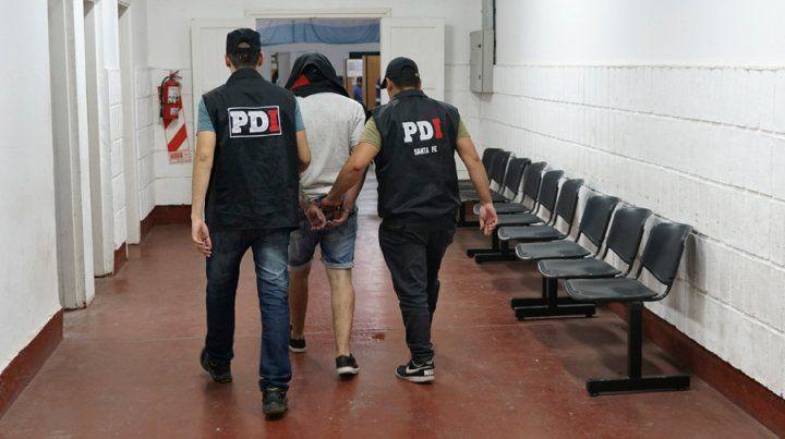 Imputan y encarcelan al proveedor de armas de la banda de El manco