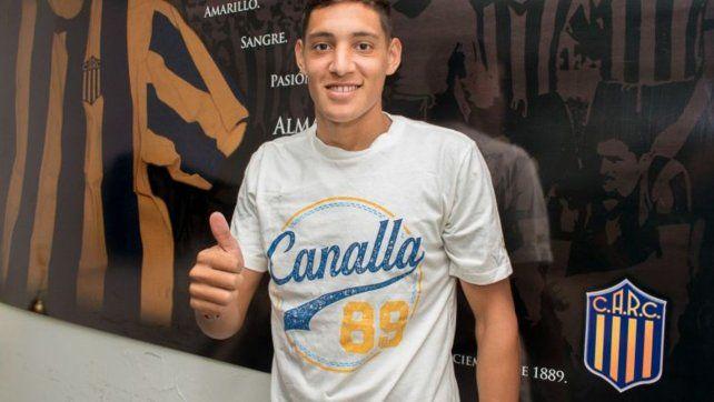 Nahuel Molina puso la firma y es nuevo jugador de Central