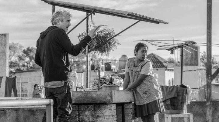 Cuarón durante el rodaje de Roma junto a Yalitza Aparicio