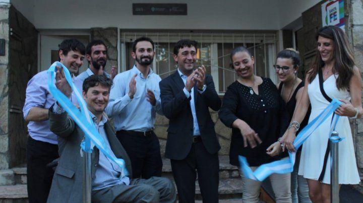 Corte de cinta. Los funcionarios y el ex intendente Soques participaron del acto de apertura