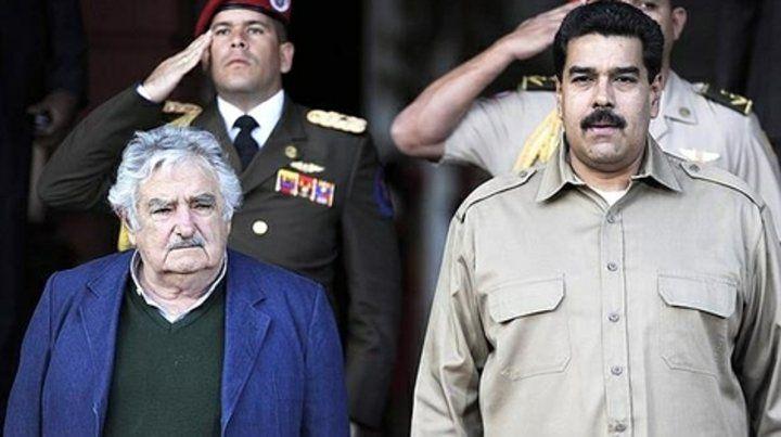 Mala onda. Mujica y Maduro en 2013. Desde al menos 2016 que la relación entre ambos es tensa.