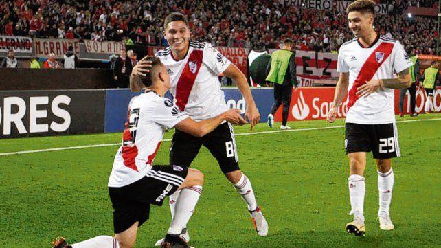 Juanfer. El colombiano Quintero fue titular en las derrotas contra Defensa y Unión.