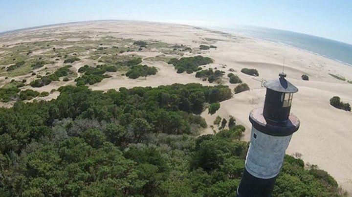 Belleza. Las imponentes playas de la zona del faro Querandí.