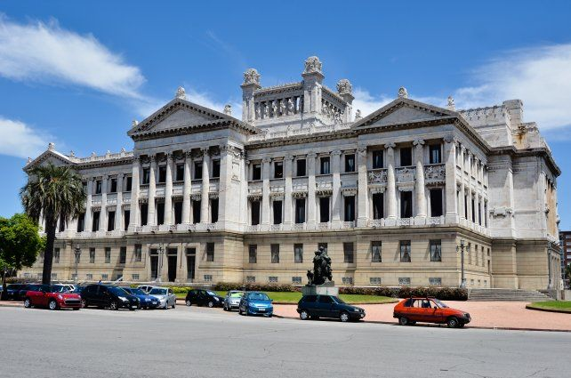 El Palacio Legislativo, otro de los atractivos de Montevideo.