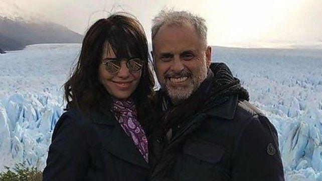 Cómo es la tarjeta de casamiento de Jorge Rial y Romina Pereiro