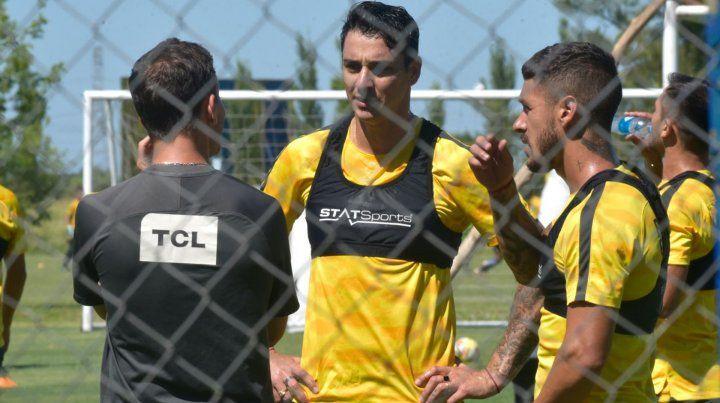 Di Pollina dijo quehay un acercamiento no formal con Independiente por el pase del Toro.
