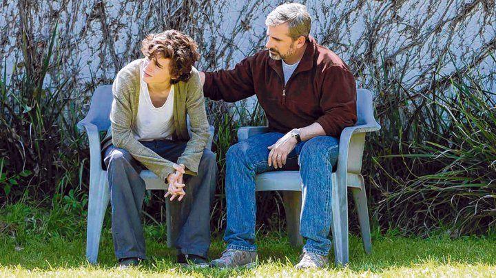 Apoyo. Timothée Chalamet y Steve Carell como Nic y su padre