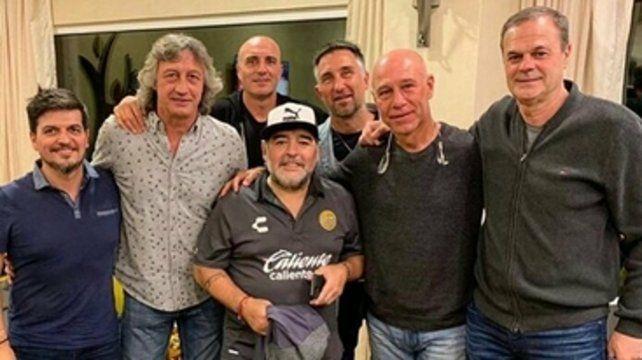 Sólo faltó el Tata con el Diego en México