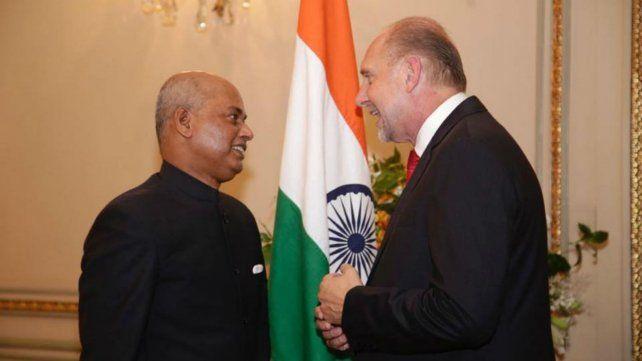 Perotti se reunió con el embajador de la India