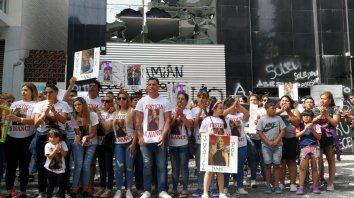 Manifestación pública. En diciembre pasado, varias personas realizaron un escrache frente a la clínica