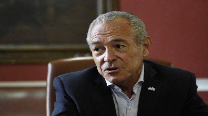 El embajador en Uruguay se metió en la interna provincial de Cambiemos.