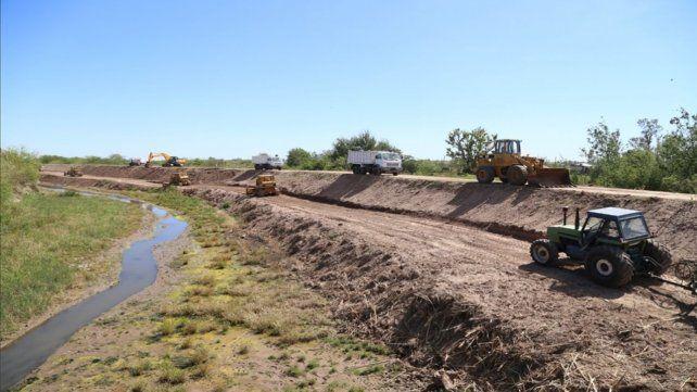 Los trabajos. Actualmente se refuncionalizaron unos 35 kilómetros del canal. La licitación fue en 2017.