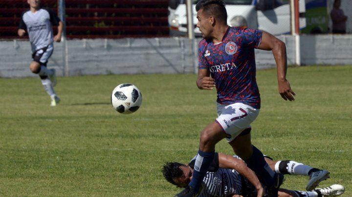 El goleador. Gastón Tedesco viene de marcar la igualdad ante el Mate en Quilmes.
