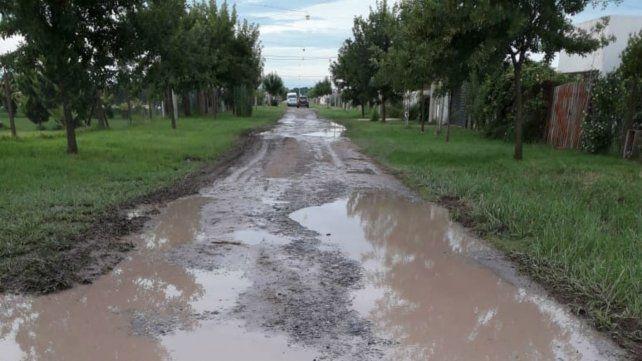 Vecinos de Roldán marcharon en reclamo de obras y mejores servicios