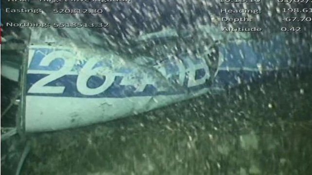 Encontraron un cuerpo entre los restos del avión de Emiliano Sala