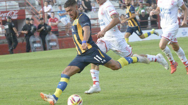 Jonás Aguirre fue reemplazado a los 10 minutos del partido ante Aldosivi por Agustín Allione.