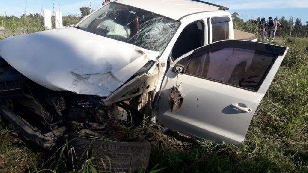 Así quedó la camioneta Amarok tras impactar contra las motos. (Foto: Eldiariosur.com)