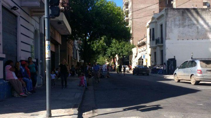 Los manifestantes de la CCC esta mañana en calle España.