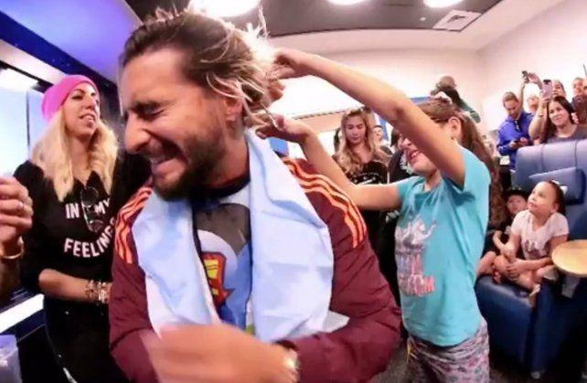Maluma visitó a chicos con cáncer y mostró su lado más solidario