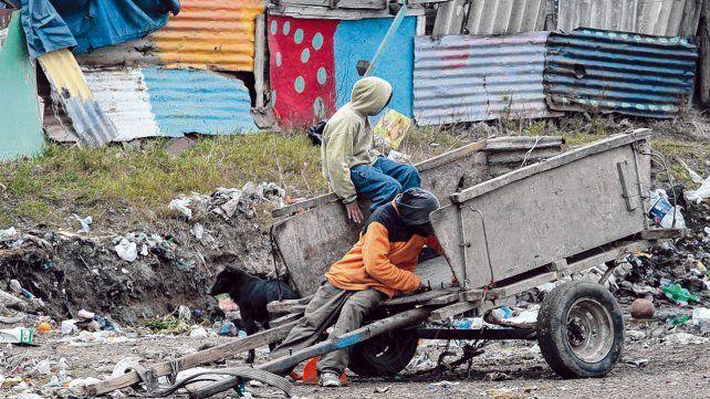 En riesgo. Los hermanos vivían en un asentamiento  conocido como La Bombacha