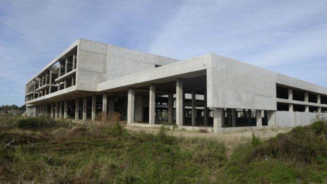 Obra. La estructura que se levanta en el extremo sur de la ciudad.