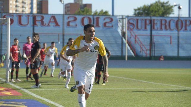 Después. Herrera grita con alma y vida el gol en cancha de Arsenal