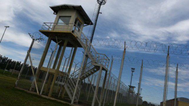 En una requisa en la cárcel de Piñero secuestraron celulares que les llevaban a Los Monos