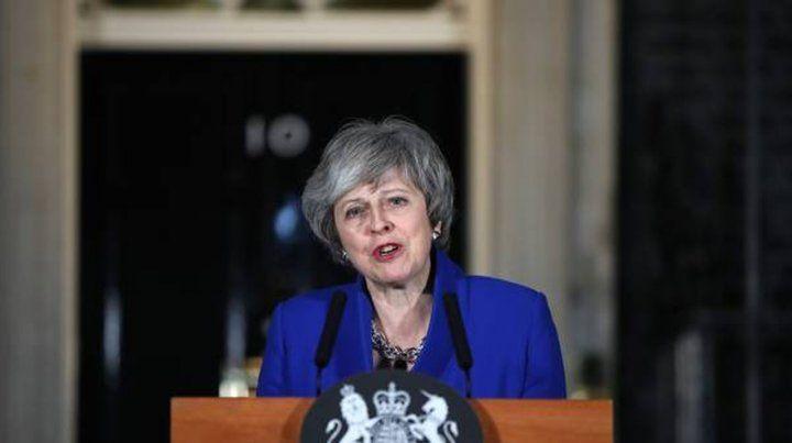 May visita hoy Bruselas con el mandato del Parlamento de tratar de reabrir un acuerdo que la Unión Europea se niega a negociar de nuevo.