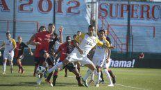 En Sarandí. Herrera mete el taco tras el córner de Gil y marca el primer tanto auriazul del partido.