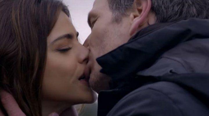 El primer beso de Calu Rivero y Federico Amador en ficción