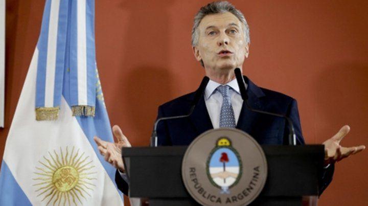 Culpas. Macri volvió a insistir en que la inflación se combate si la gente deja de gastar más de lo que tiene.