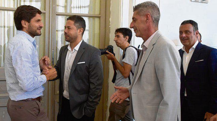 Con el Ministro de seguridad. Pullaro recibió a los directivos de Central y Newells.