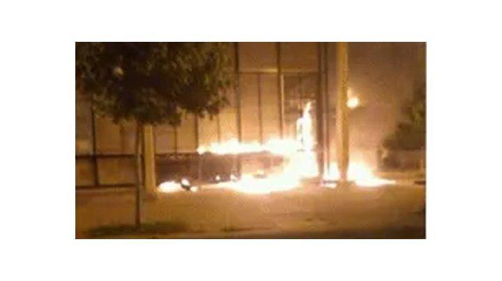 Incidentes e incendio en una protesta en reclamo de justicia por un hombre asesinado
