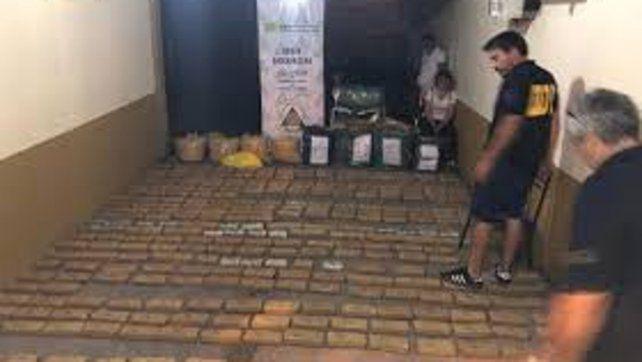Según indicaron los voceros se trataba de una operación de una banda criminal  internacional dedicada a la distribución y venta de estupefacientes a  gran escala.