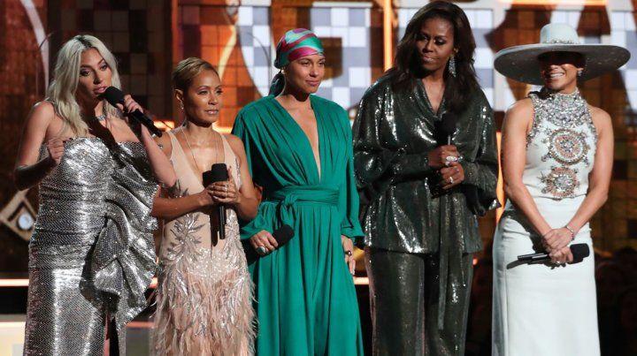 Cómo fue la aparición de Michelle Obama en los premios Grammy