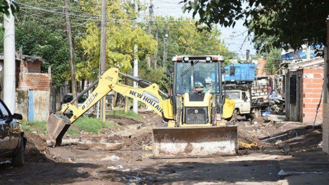 Supervisan el avance de obras en barrio Industrial