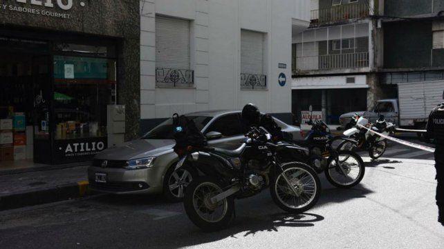 El VW Vento en Urquiza y San Martín. La víctima fue derivada al Heca.
