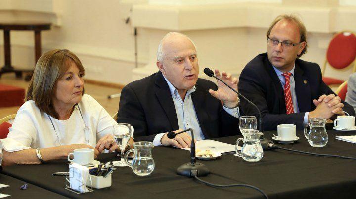 El gobernador Lifschitz presentó el proyecto junto a los ministros Alicia Ciciliani y Gonzalo Saglione.