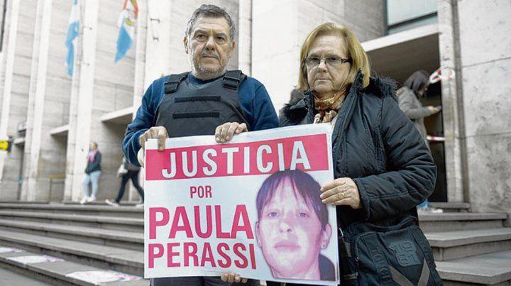 Siete años y medio. Los padres reclaman permanentemente por justicia.