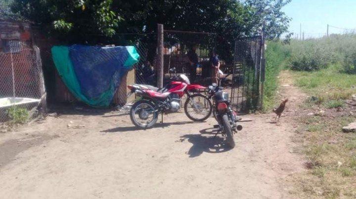 La casa en la cual vivía con su familia en la zona rural de Puerto General San Martín la pequeña fallecida.