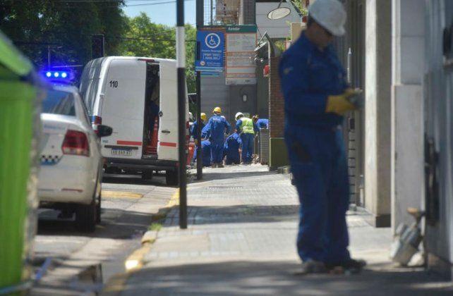 Operarios trabajaron en la zona para neutralizar la fuga.