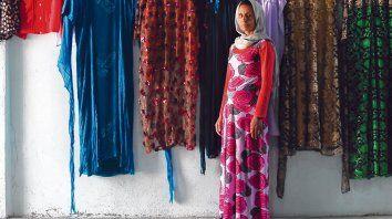 La mujer a colores