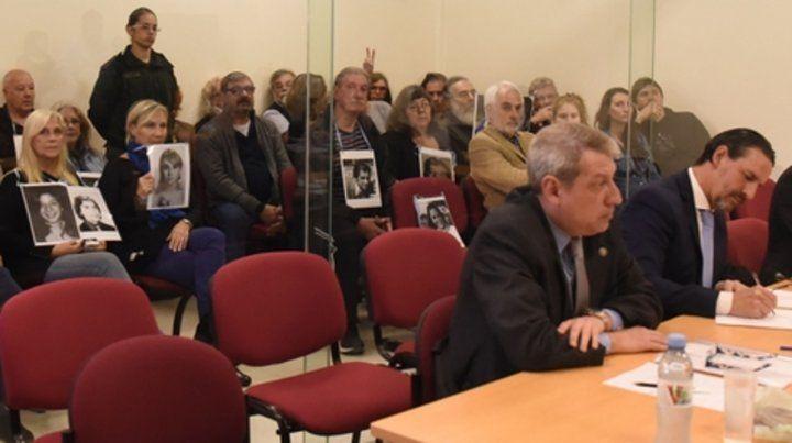 En Rosario. Familiares asistirán el miércoles al juicio por crímenes adjudicados a 21 ex policías santafesinos.
