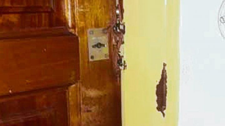 Una de las puertas barreteadas.