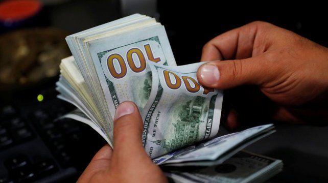 El dólar volvió a subir y registró su valor más alto en el año