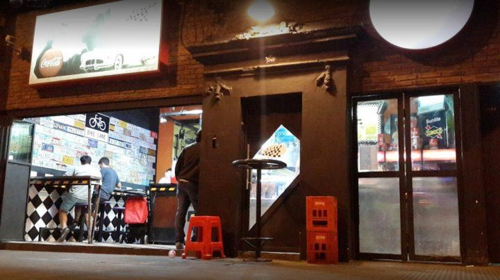 Un joven fue baleado en un bar de avenida de Pellegrini y está grave