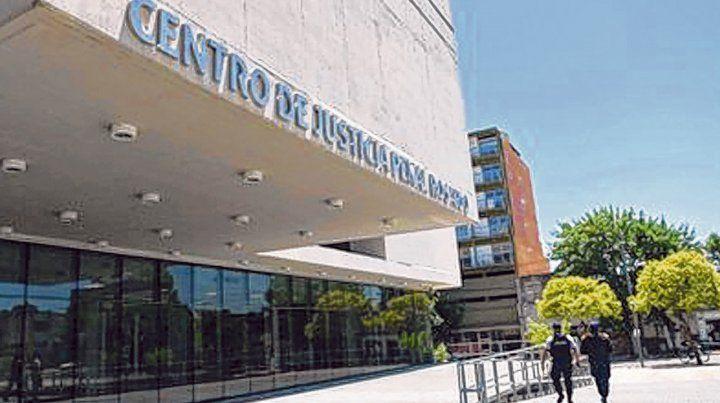 Oral y público. El juicio tuvo lugar en el Centro de Justicia Penal ante los jueces Lanzón