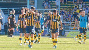 Un duro golpe. El plantel canalla tuvo una pésima tarde frente a Tigre y está obligado a levantar. Lleva seis partidos sin ganar en la Superliga y de los cinco que jugó en 2019 sumó tan sólo tres unidades.