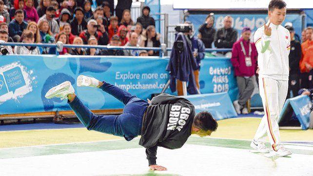 Bboy Broly. El rionegrino fue medalla de plata en competencia mixta junto a la italiana Lexy